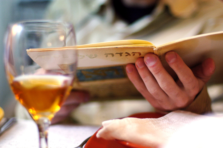 Our Virtual Seder Guide: Celebrating Passover During COVID-19